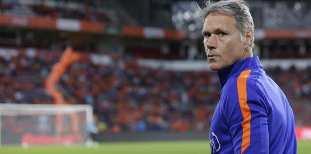 23/09 Van Basten per 1 oktober naar FIFA
