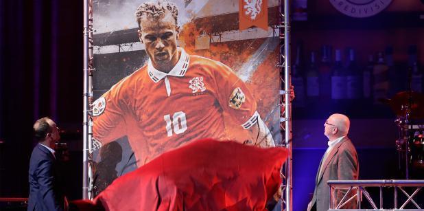 23/12 Het OranjeMoment: Bergkamp in ...