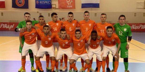 21/04 Winst Jong Oranje zaal in Polen